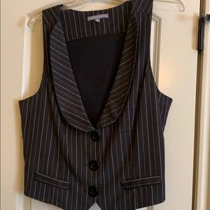 Vest for any shirt and occasion